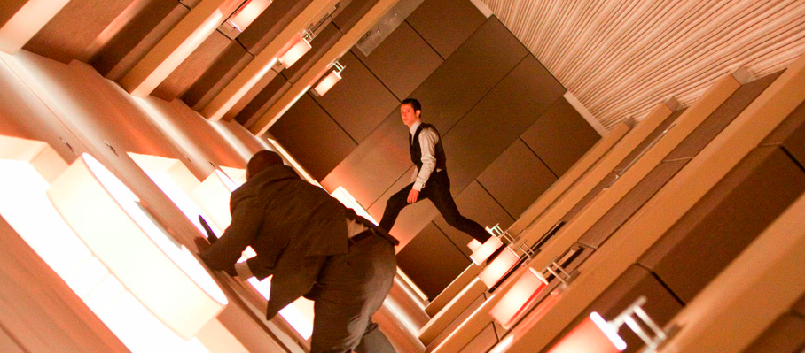 http://www.popcornmonster.com/wp-content/uploads/2010/07/Inception_Hallway.png